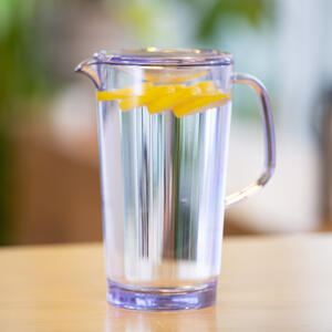 stanley clear pitcher_sq